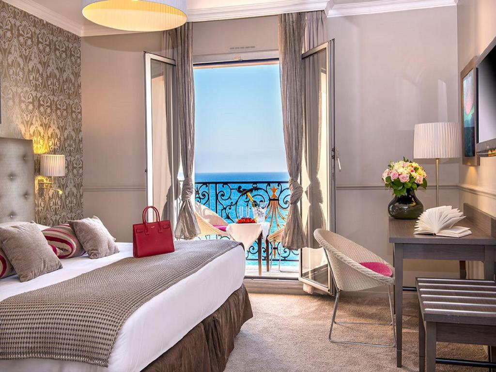 Hotel Le Royal Promenade des Anglais Nice