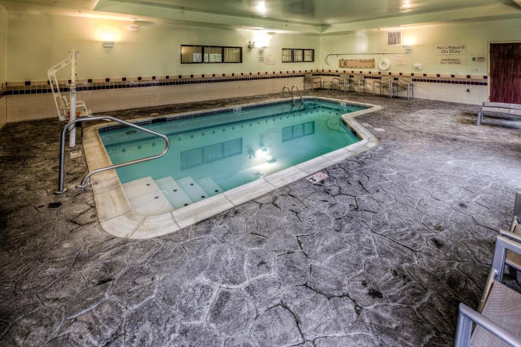 Springhill suites dayton south miamisburg r servation for Chauffage piscine 974