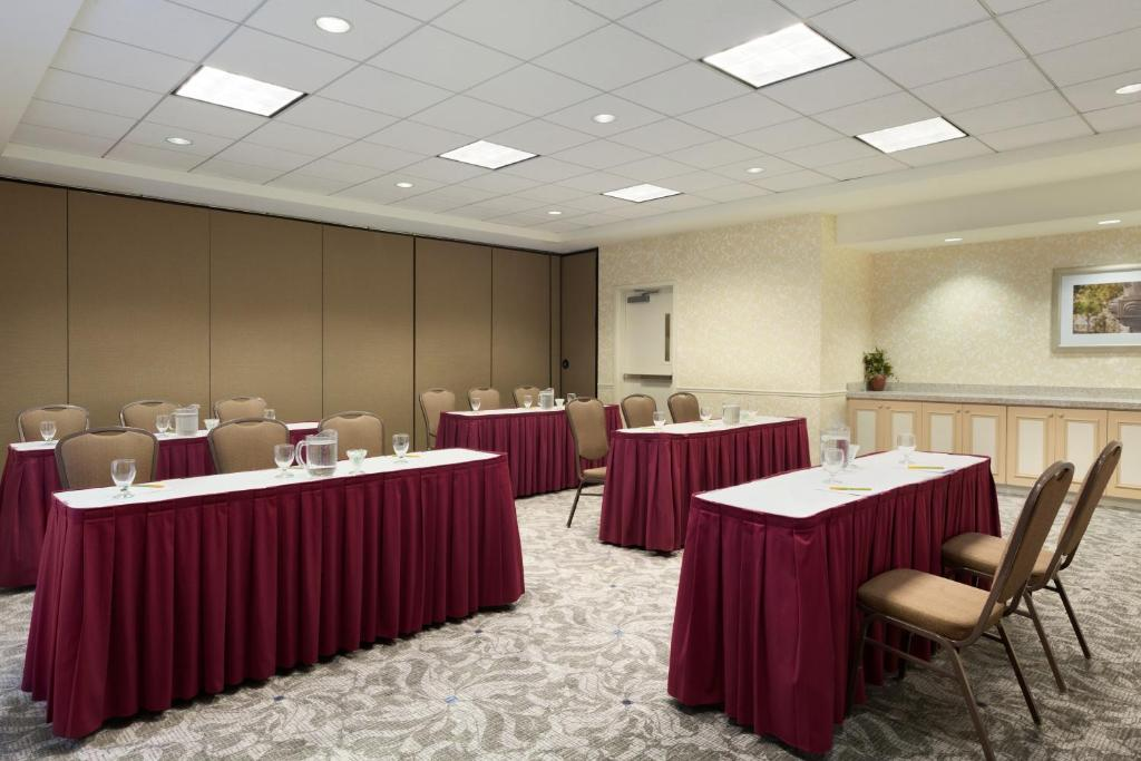 Book Now Hilton Garden Inn San Jose/Milpitas (Milpitas, United States).