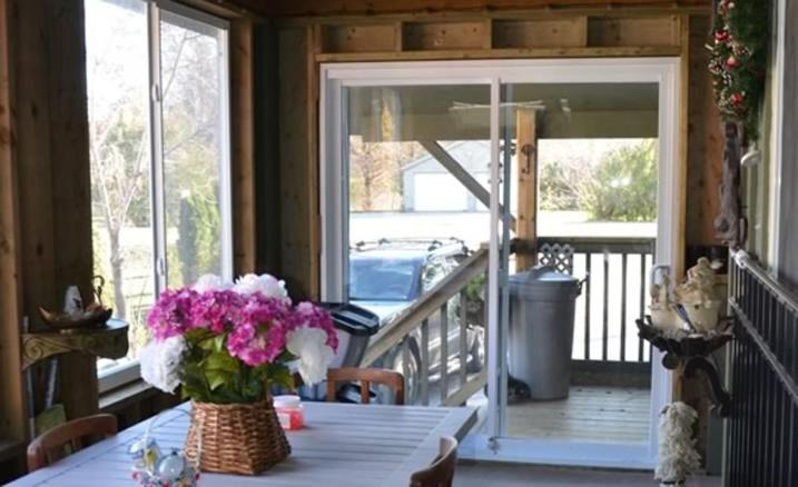 Book Now A Santa's Dream Chalet/Cottage (Blue Mountains, Canada). Rooms Available for all budgets. A Santa's Dream Chalet/Cottage is a holiday home in Blue Mountains with access to barbecue facilities and a garden. With free private parking the property is a 16-minute walk