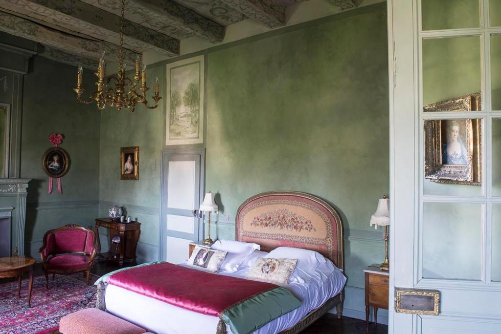 chambres d 39 h tes ch teau de canac chambres d 39 h tes rodez dans l 39 aveyron 12. Black Bedroom Furniture Sets. Home Design Ideas