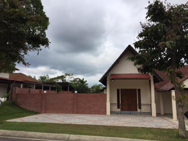 Lot 1281, Villa D\'Amour - Maison de vacances à Alor Gajah ...