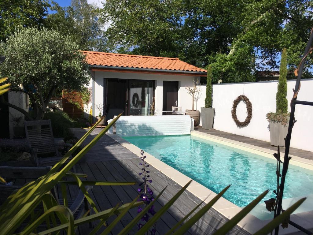 Chambre D Hotes La Casa Bonita Chambre D Hotes Martignas Sur Jalle