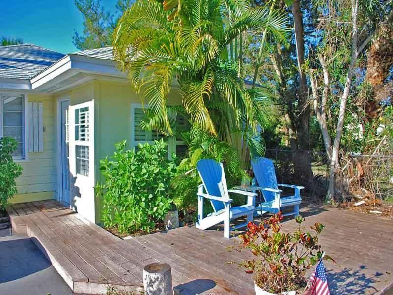 Hotel Tiki on the Bay in Englewood Florida - 12 Photos ...