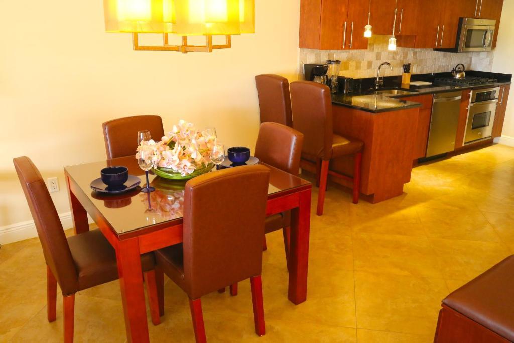 Tropical digs oranjestad prenotazione on line - Aggiungi un posto a tavola karaoke ...
