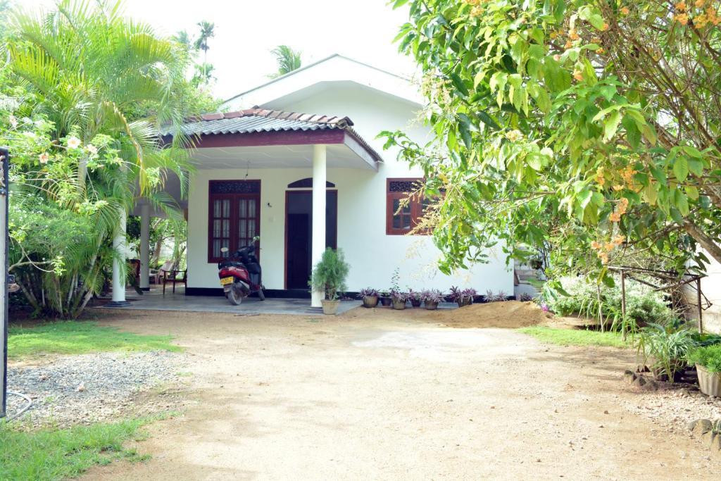Vindya Home Garden Holiday Home Ahangama