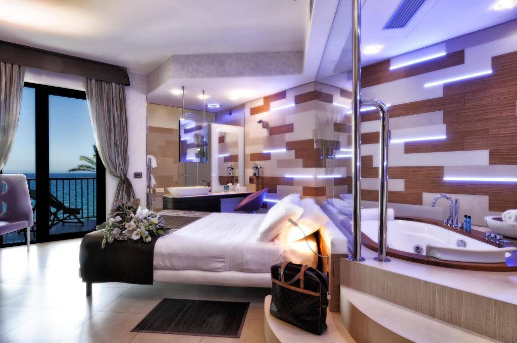Nizza Hotel Booking