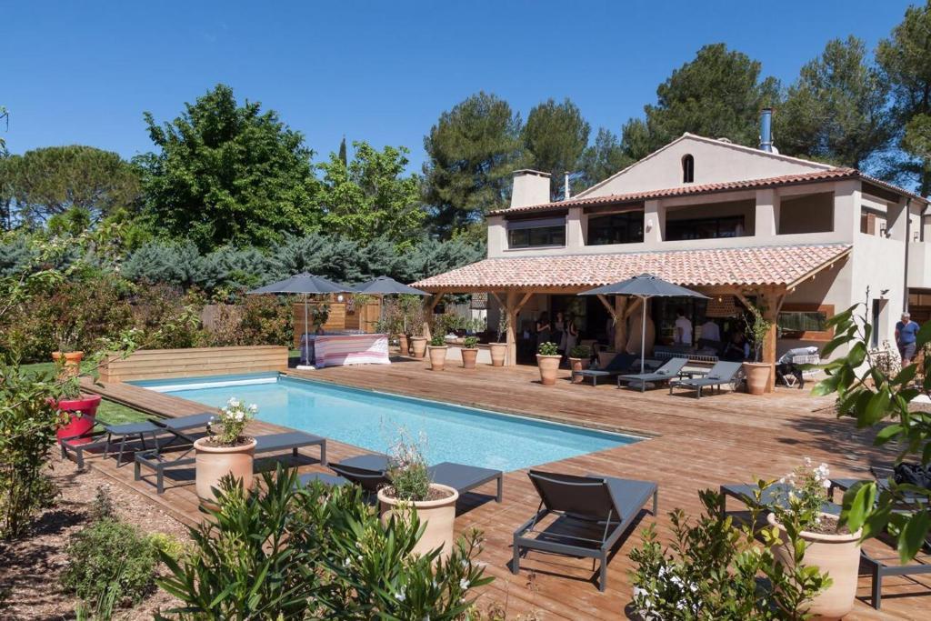 La maison de beryll r servation gratuite sur viamichelin - Maison jardin restaurant altamonte springs fort de france ...