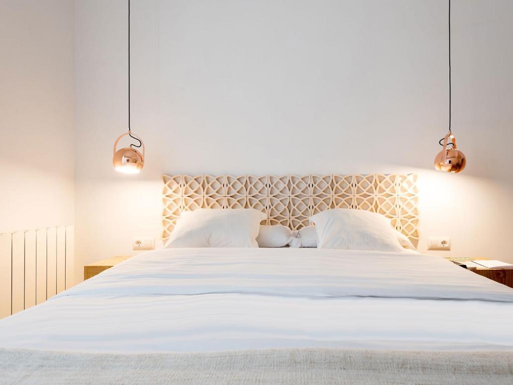 bruc bruc chambres d 39 h tes barcelone. Black Bedroom Furniture Sets. Home Design Ideas