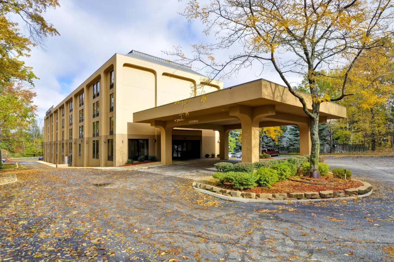 Hampton Inn Cleveland-Westlake: TODAY`s deals • Westlake Hotels ...