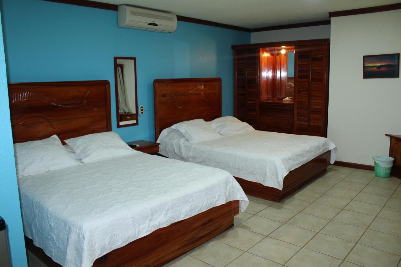 Fish Hook Marina Hotel-photo22