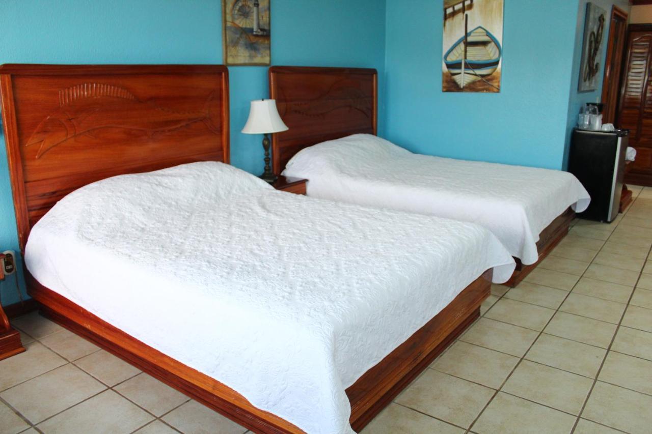 Fish Hook Marina Hotel-photo5