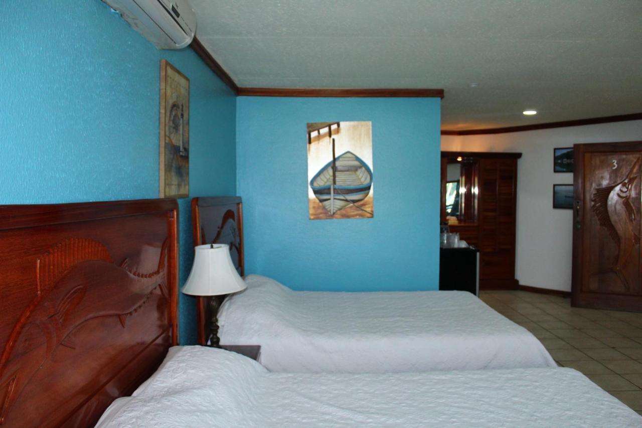 Fish Hook Marina Hotel-photo10