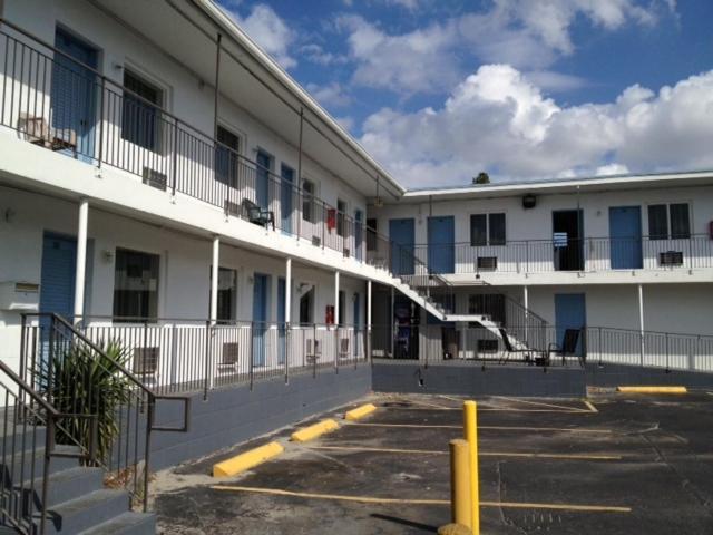 Miami Springs Inn-photo9