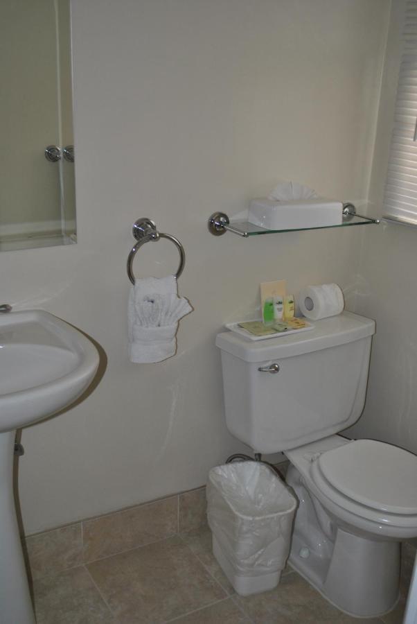 Coast Village Inn-photo24