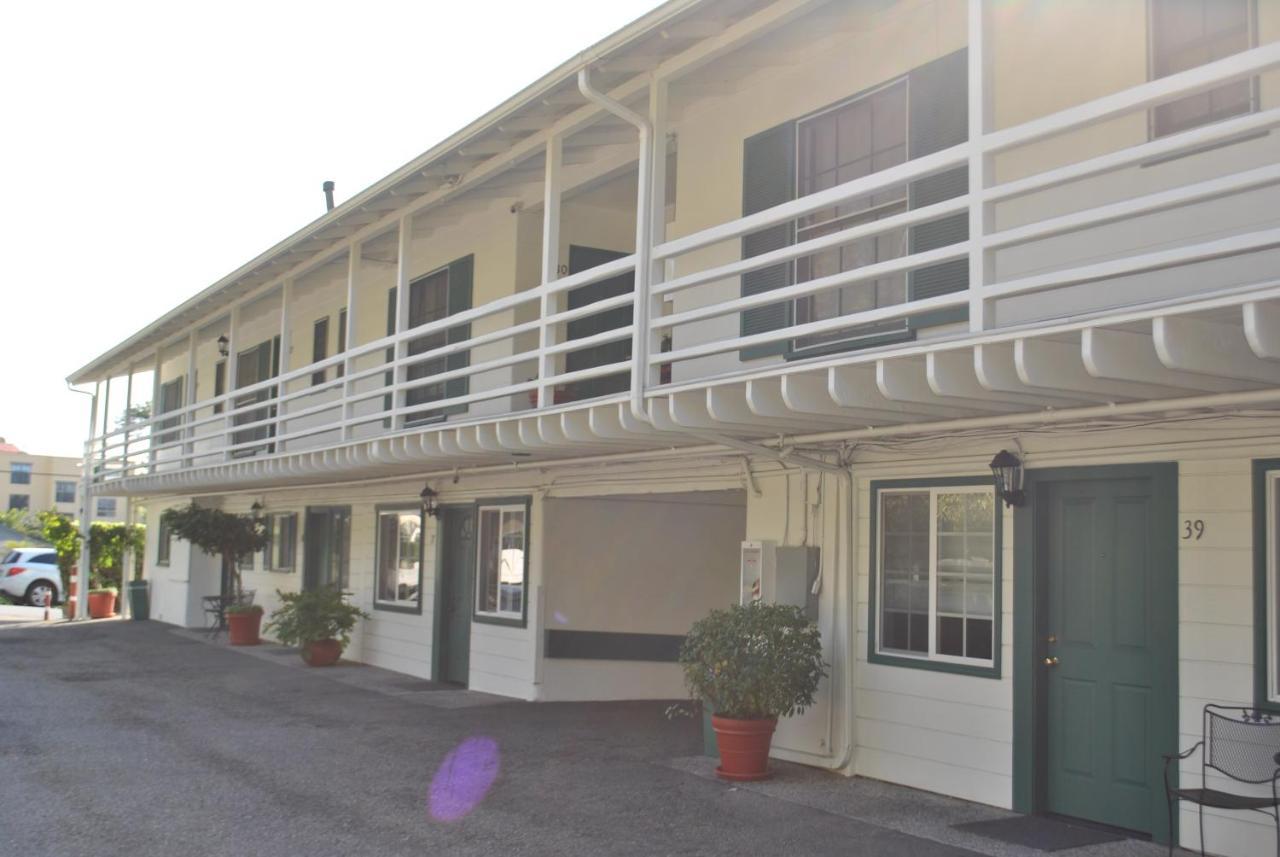 Coast Village Inn-photo26