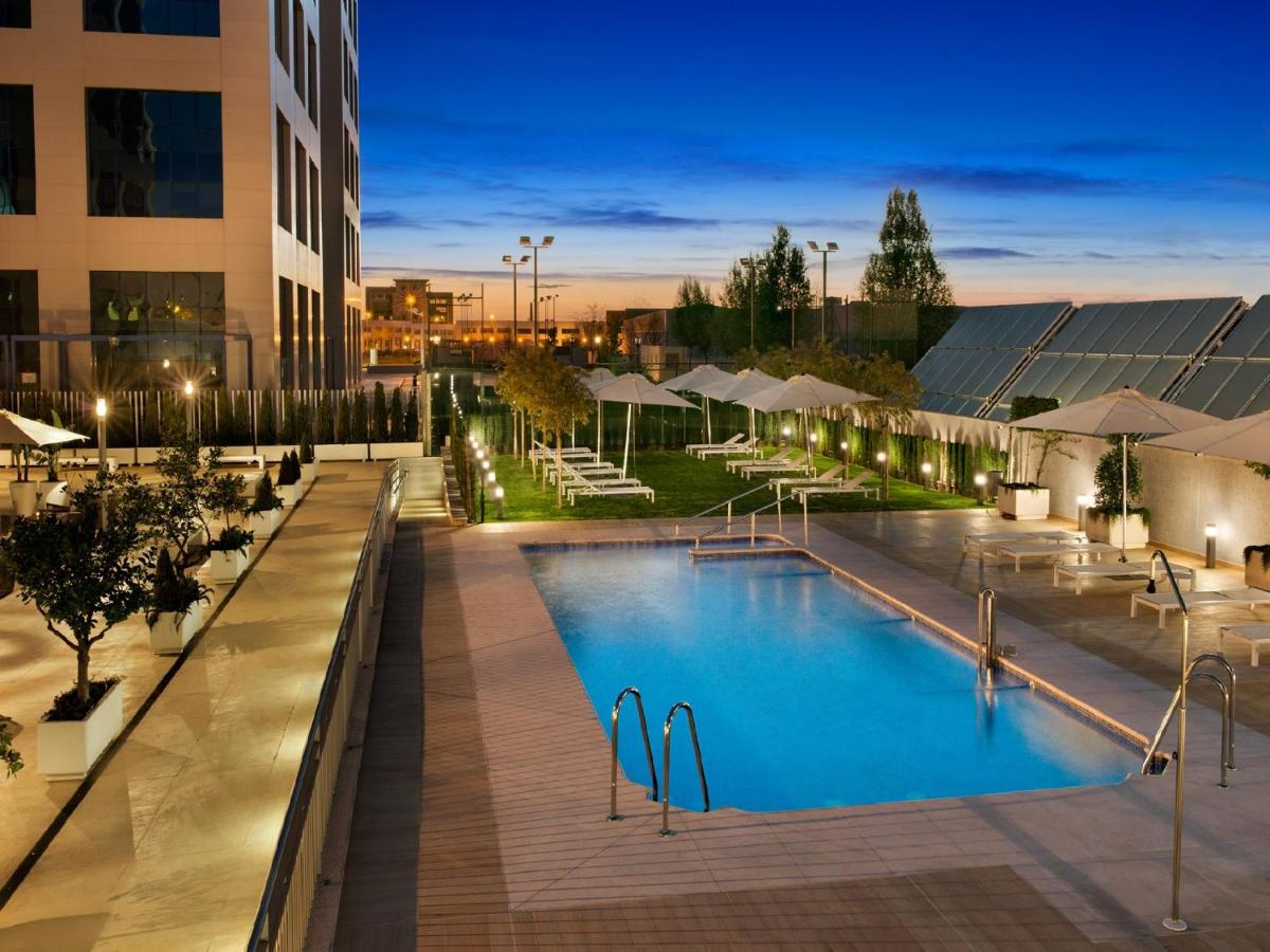 Hilton Garden Inn Sevilla: TODAY`s deals • Seville Hotels • TodayTourism