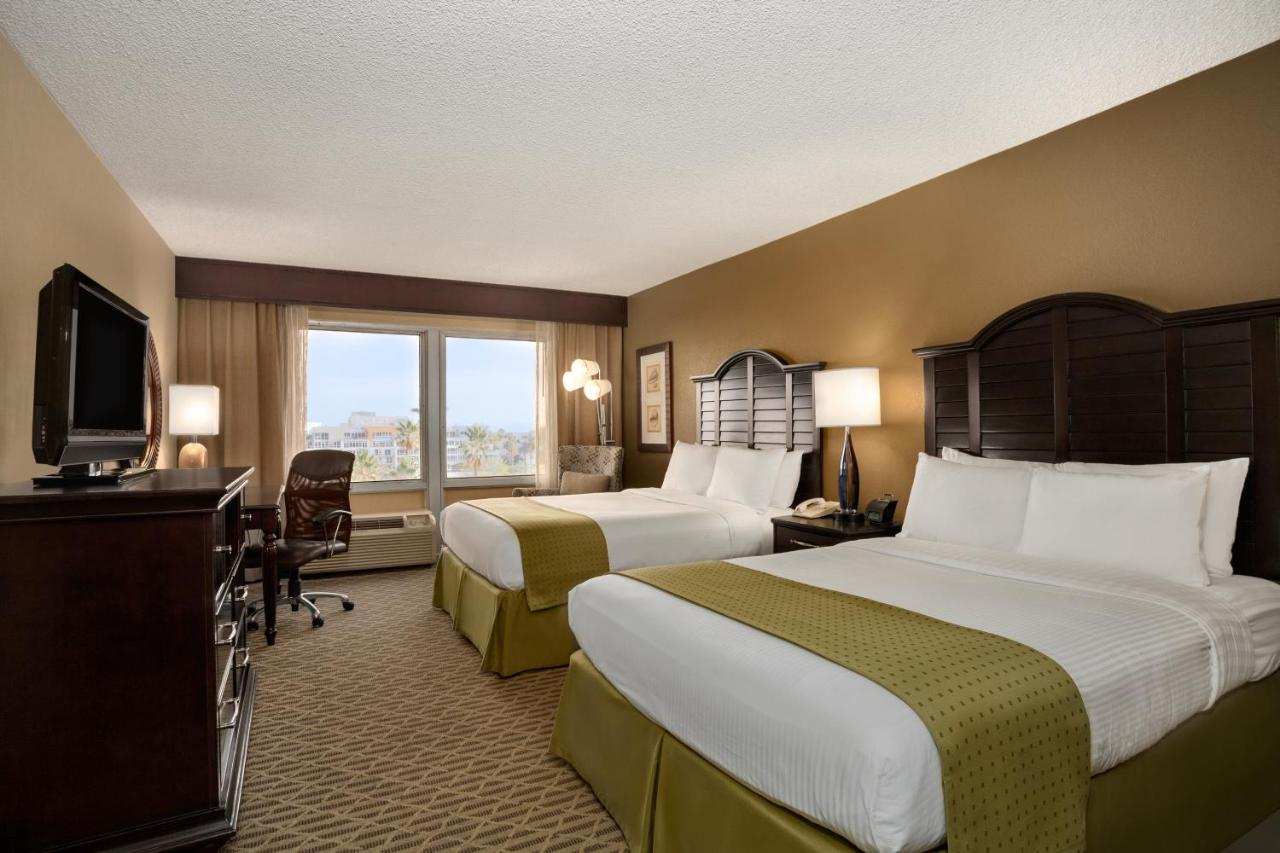 Wyndham Santa Monica At The Pier: TODAY`s deals • Los Angeles {\