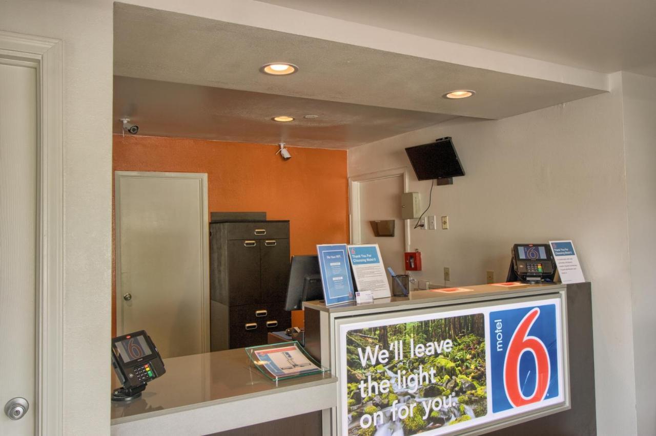 Motel 6 Everett North: TODAY`s deals • Everett Hotels • TodayTourism