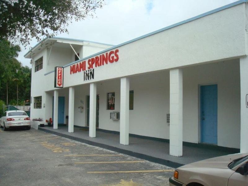 Miami Springs Inn-photo1