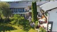 Hotel garni Landhaus Servus, Hotels - Velden am Wörthersee