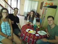 Happy to Mingle Airport Hostel Manila, Хостелы - Манила