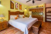 Casa Virgilios B&B, Bed & Breakfast - Nuevo Vallarta