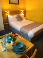 United Lodge Hotel and Apartments (Bed & Breakfast)