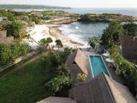 Villa Waru, Holiday parks - Lembongan