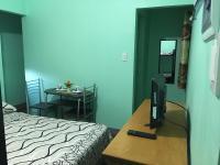 Cornel's Room Rental (formerly Cornel's Place), Magánszobák - Manila