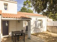 Three-Bedroom Holiday Home in La Tranche sur Mer, Nyaralók - La Tranche-sur-Mer