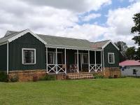 Pecan Tree Cottages, Chalets - Machadodorp
