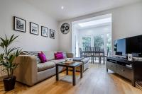 Entire Home in Islington sleeps 4 with garden, Апартаменты - Лондон