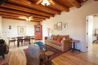 245 Rael Road Home, Holiday homes - Santa Fe