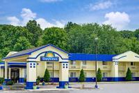 Days Inn by Wyndham Southington, Szállodák - Southington