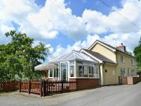 Mavis Cottage, Holiday homes - Kington