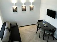 LEONIX Cappuccino Apartment on Zamarstynivska Street, Ferienwohnungen - Lemberg