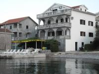 Apartments Petrović, Appartamenti - Teodo