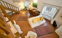 The Dome And One Hundred Windows, Apartmány - Florencie