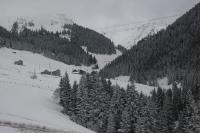 Azra Dağ Evi̇, Alpesi faházak - Güzelce