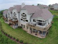 Amazing Overlook Three-Bedroom Townhome, Дома для отпуска - McHenry