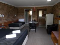 Park House Motor Inn, Motels - Oakey
