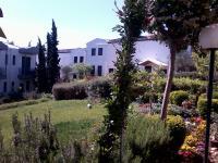 Housing Pefkos II, Ferienwohnungen - Nea Fokea