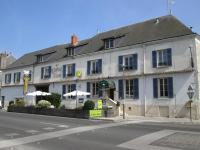 Logis Hostellerie Du Cheval Blanc, Отели - Сент-Мор-де-Тур