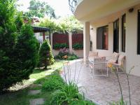 Sunny Day Vacation Home, Holiday homes - St. St. Constantine and Helena