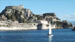 Serenity, Holiday homes  Corfu Town - big - 21