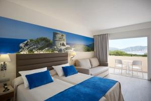 Invisa Hotel Club Cala Blanca, Hotely  Es Figueral Beach - big - 4