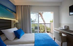 Invisa Hotel Club Cala Blanca, Hotely  Es Figueral Beach - big - 21