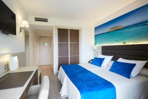 Invisa Hotel Club Cala Blanca, Hotely  Es Figueral Beach - big - 2