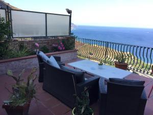 B&B La Terrazza Sul Mare Taormina, Taormina - Prenota Online B&B La ...